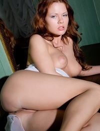 Redhead from MetLive is here and shows all the reasons why she can do so much more. - Alice C - Instincts