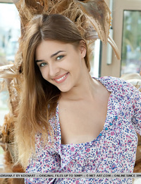 Adriana F: Rays by Koenart - Pale-skinned cutie with warm, engaging smile.